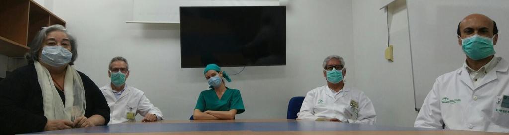 sanitarios de la unidad de Reumatología del Hospital Virgen Macarena